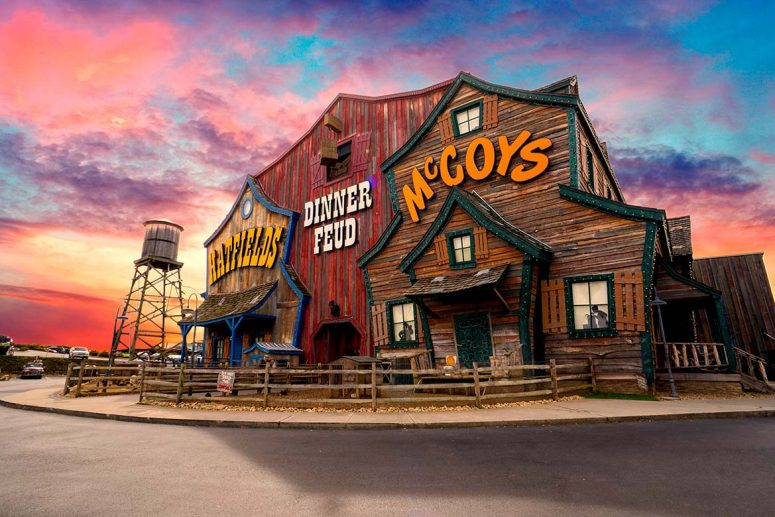 Hatfield & McCoy Dinner Feud - Performances Daily
