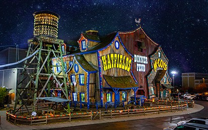 Hatfield & McCoy Christmas Dinner Show in Pigeon Forge, TN
