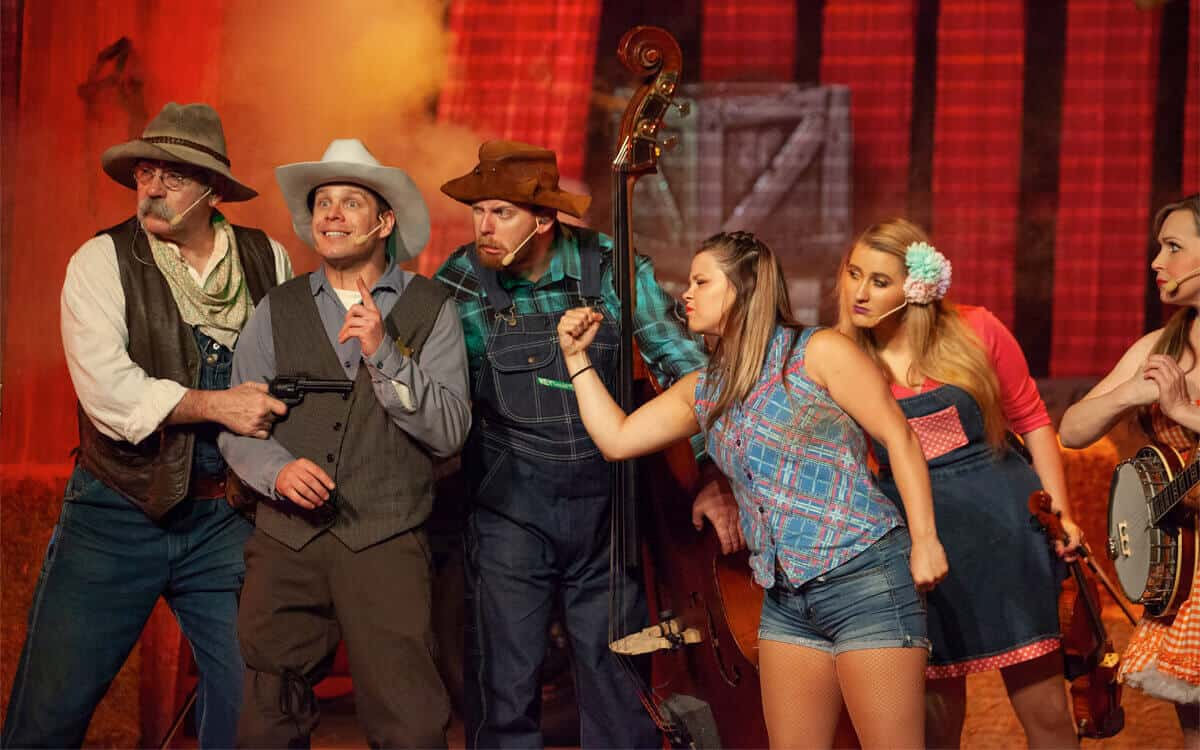 Hatfield and McCoy Dinner Feud cast carries on the quarrel, all in good family fun.